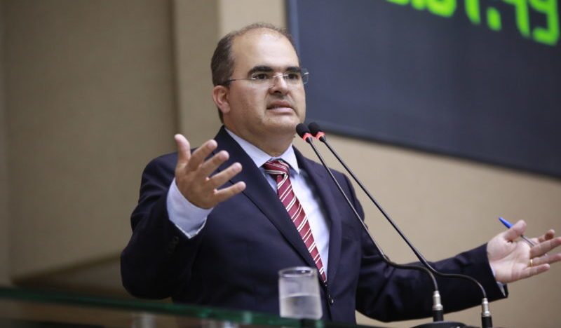 Nicolau recomenda compensação e quitação de dívidas da Petrobrás com o AM