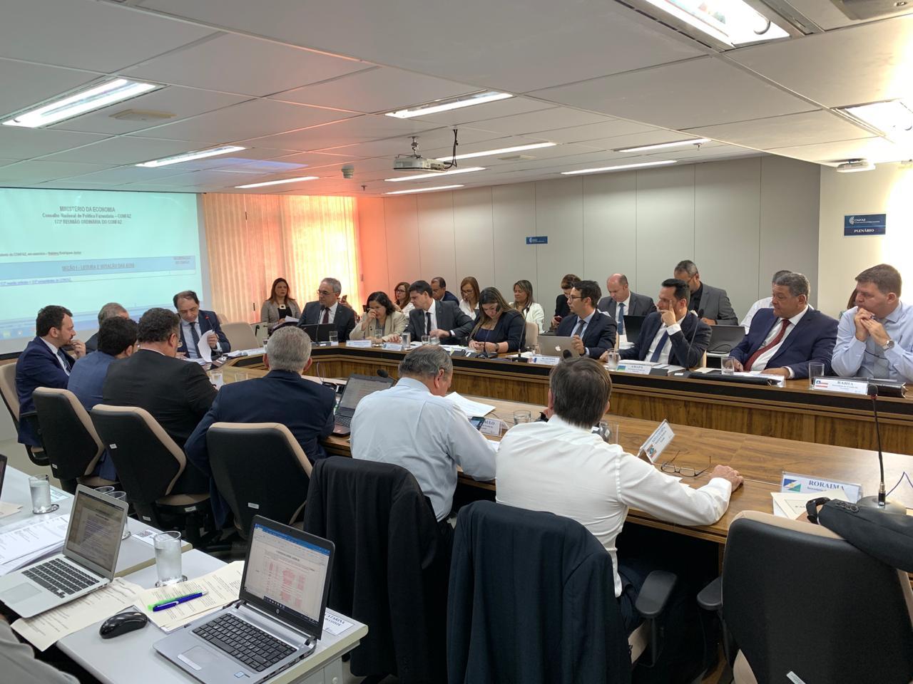 Wilson aprofunda discussão do ICMS de combustíveis em Brasília