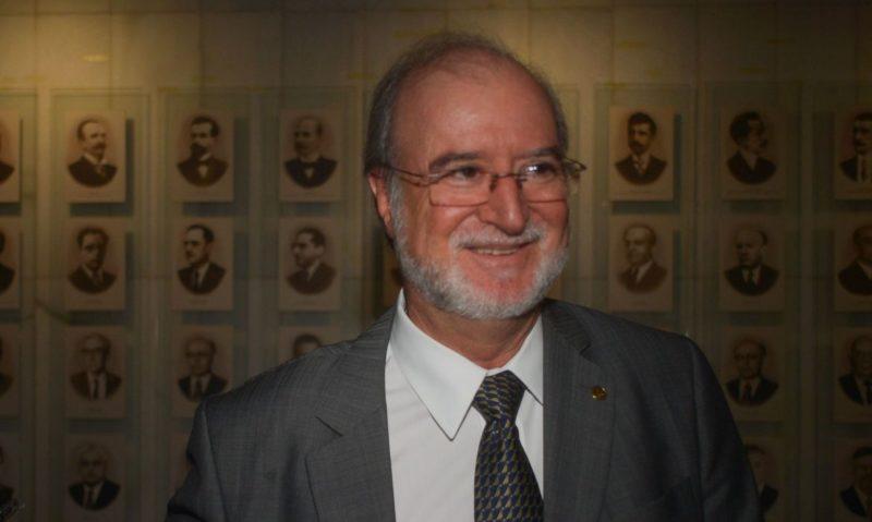 STJ mantém condenação de ex-governador tucano com pena menor