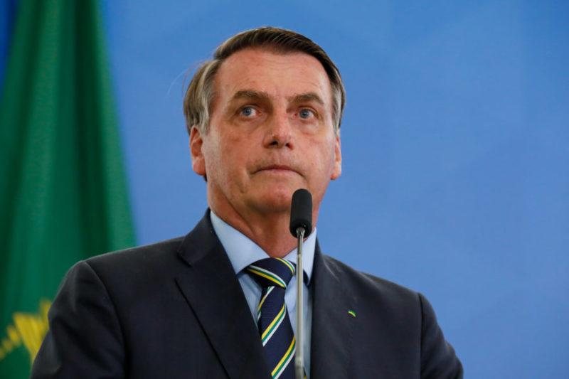 """Bolsonaro ignora morte no RS e sobre racismo diz que é """"daltônico"""""""