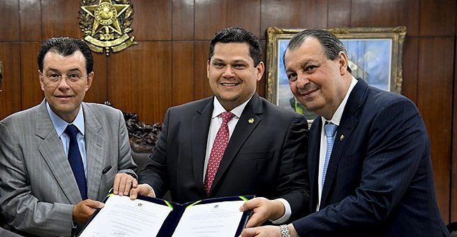 Omar, Braga e Marcelo estão na comissão da reforma tributária