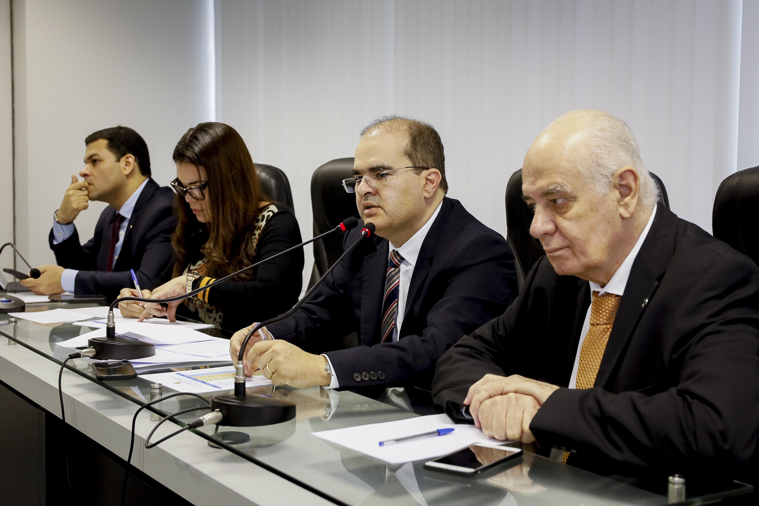 Comissão da ALE-AM avalia metas fiscais do governo para este ano