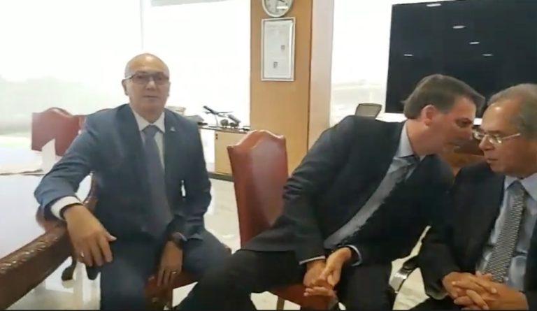 Menezes em live de Bolsonaro