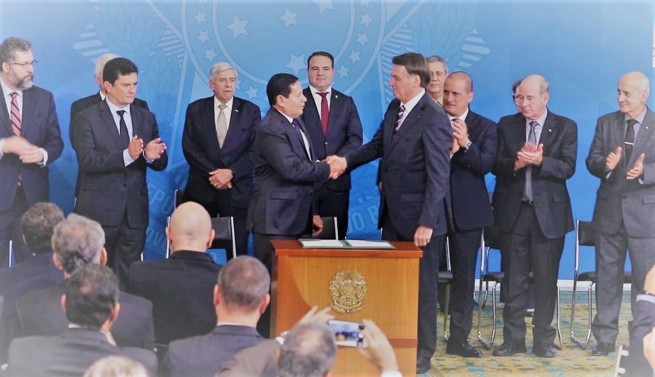 Mourão fala em integrar ações do Conselho da Amazônia com governos