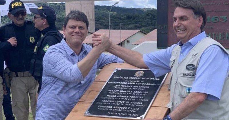 """""""Não estou preocupado com reeleição"""", diz Bolsonaro na BR-163"""