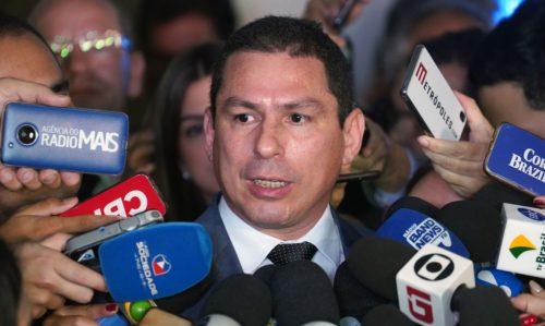 Marcelo entra de bombeiro no conflito entre Wilson Lima e Ari Moutinho Júnior