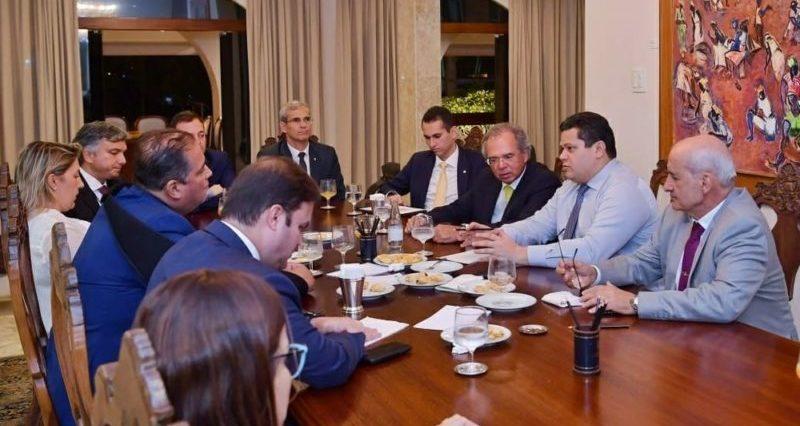 Mal-estar de R$ 30 bilhões do Orçamento leva à reunião urgente de poderes