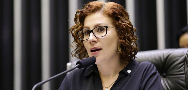 Cloroquina não resolve e Zambelli é internada sem data de alta
