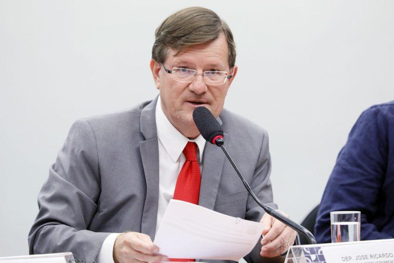 Decreto do IPI de Bolsonaro vai ter resistência em comissões da Câmara