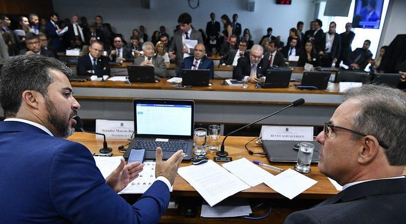 Comissão do Senado aprova marco regulatório do setor elétrico