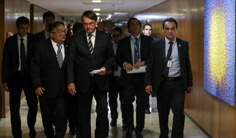 Justiça suspende campanha publicitária de Bolsonaro contra isolamento