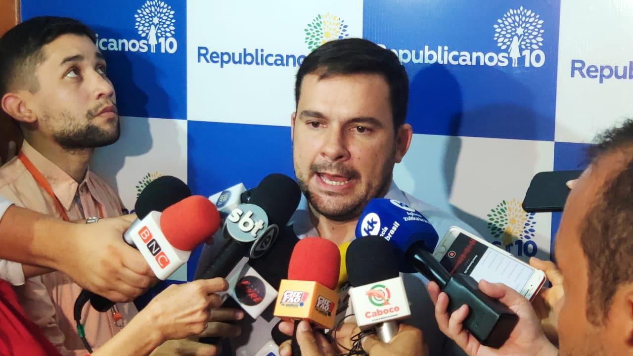 Alberto Neto articula união da direita e quer o apoio de Bolsonaro