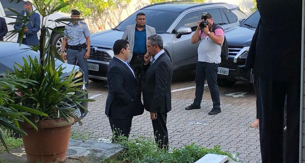 Contaminado, Alcolumbre teve um tête-à-tête com o ministro Campbell em Manaus