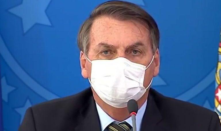 Bolsonaro é questionado por prefeitos sobre coronavírus