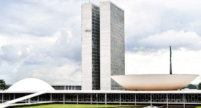 Brasileiro não apoia retrocesso na democracia, aponta pesquisa