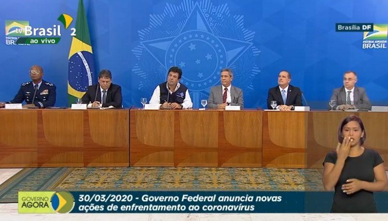 Ministro reafirma sugestão de isolamento social, contrariando Bolsonaro
