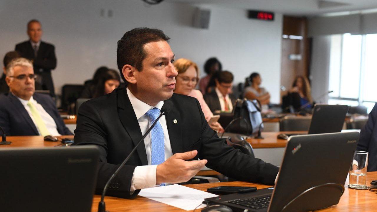 Emenda de Marcelo garante aprovação do 13º do Bolsa Família e BPC