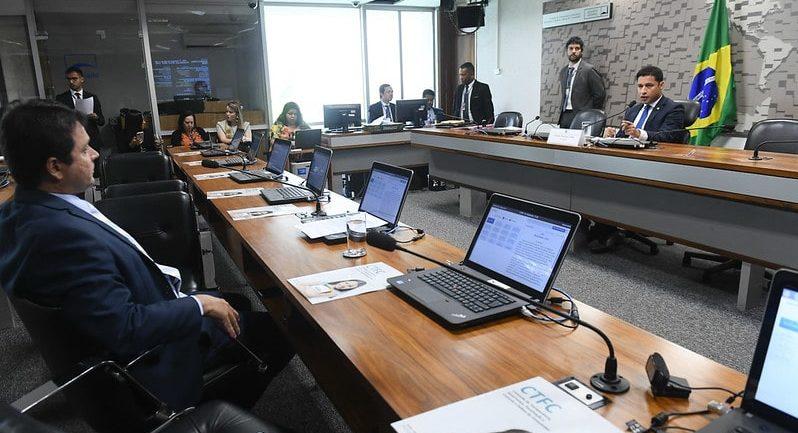 Transparência convoca ministro da Saúde e chefe da Secom