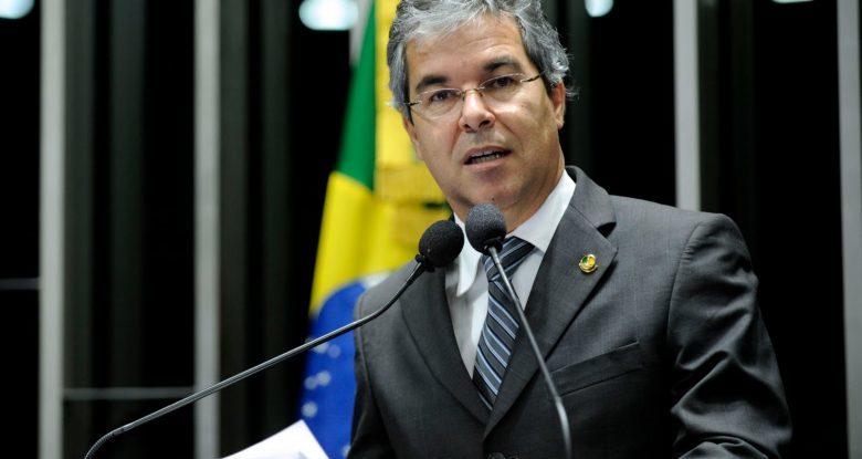 Ex-senador e mais dois petistas do Acre contraem coronavírus