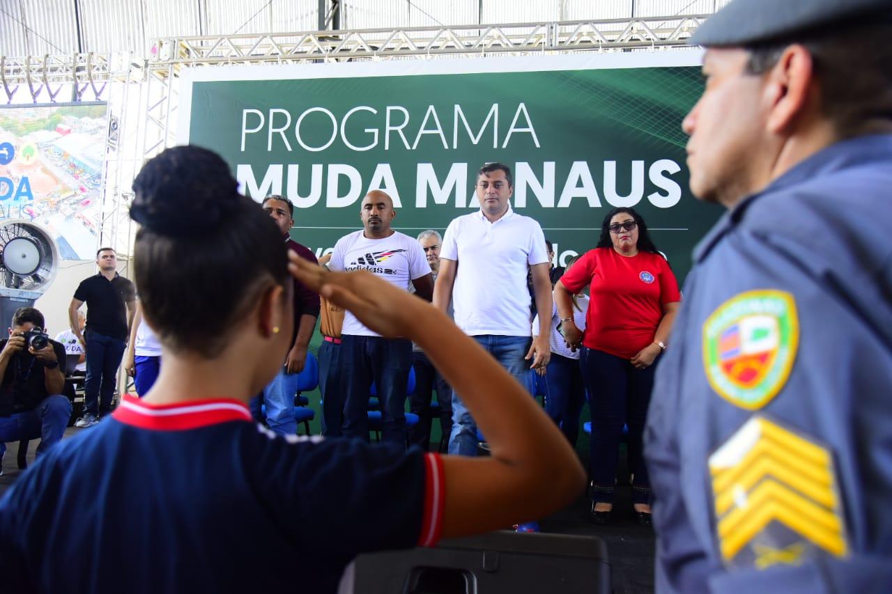 Governador instala 'Escola Segura, Aluno Cidadão' no Monte das Oliveiras