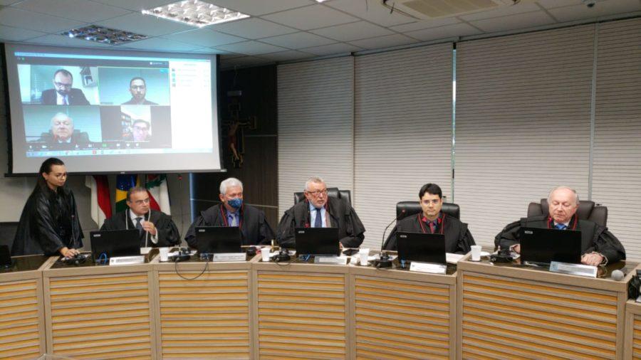 Gripados, desembargadores participam online de julgamento do TRE-AM