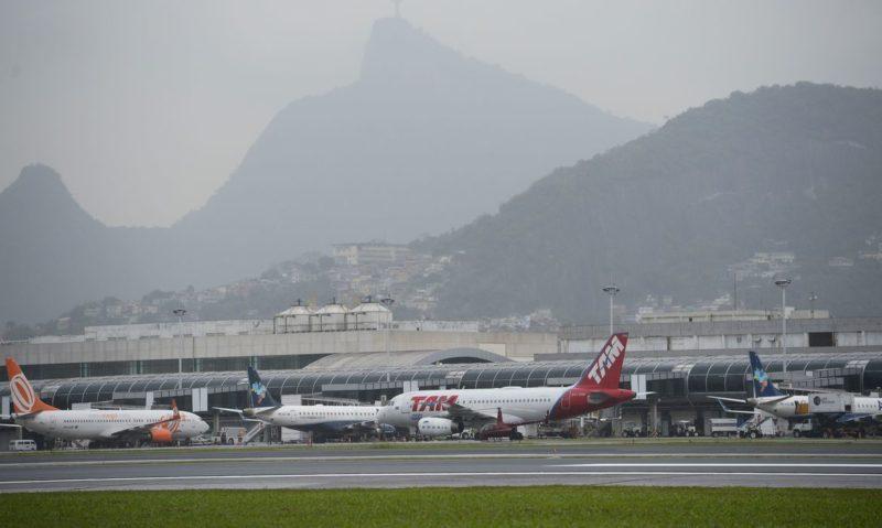 Empresas aéreas anunciam cancelamento de 90% dos voos