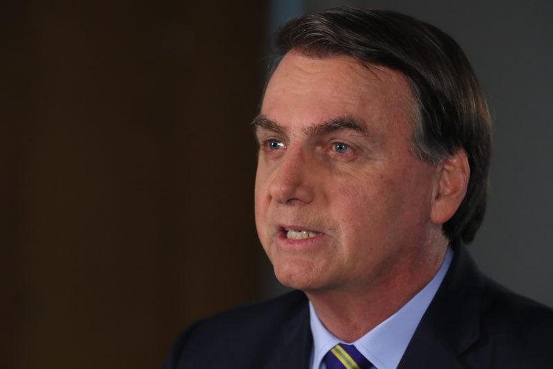 Bolsonaro compartilha vídeo em que governadores são criticados