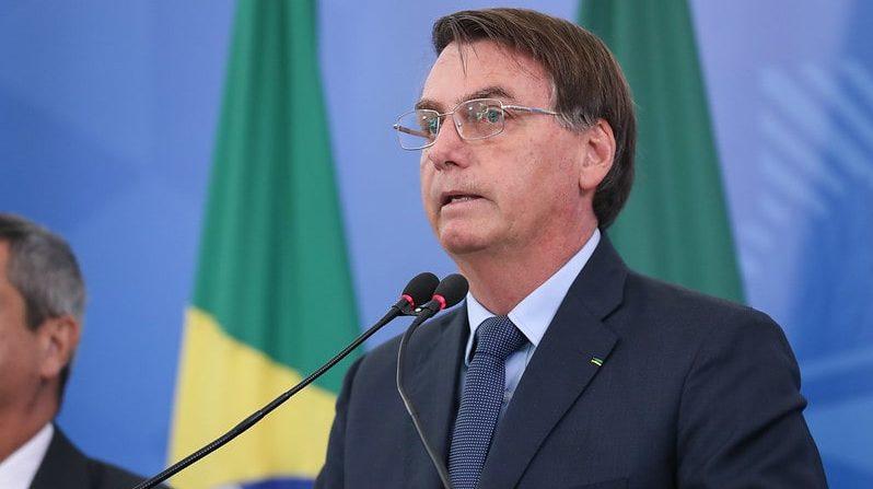Bolsonaro sanciona, com vetos, PL dos R$ 600 para baixa renda