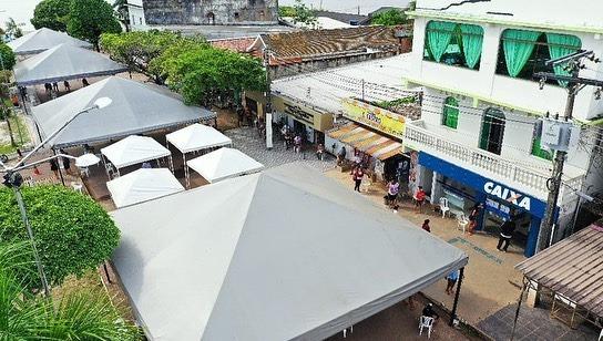 Autazes demarca rua de agência da Caixa e providencia tendas para abrigo