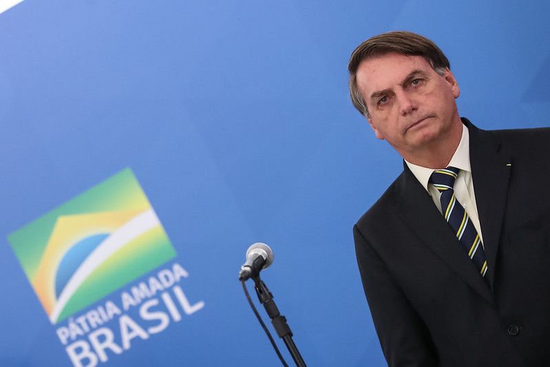 Flagrado em fake news e desmentido, Bolsonaro apaga post no Twitter