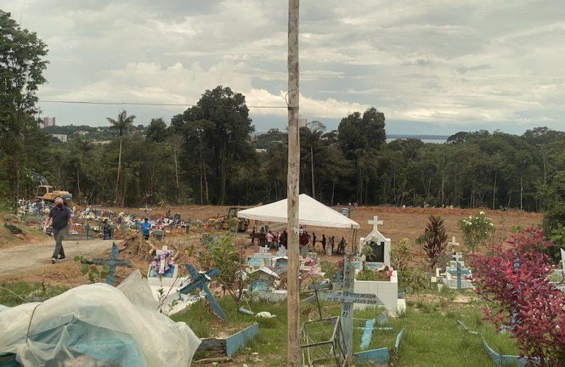 Manaus bate recorde de enterros no dia da reportagem de Cabrini