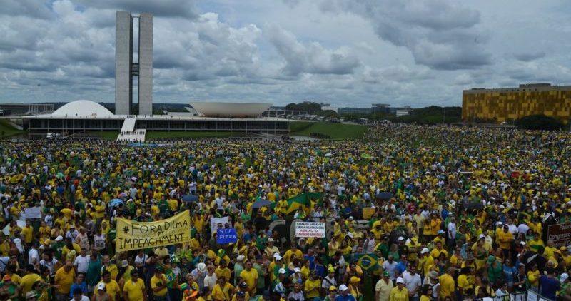 Apoiadores de Bolsonaro voltam às ruas em defesa do trabalho