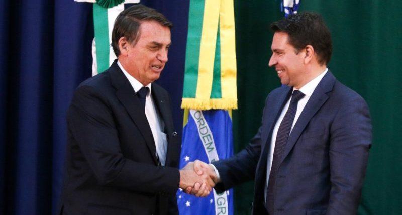 Bolsonaro aumenta orçamento da Inteligência e cria mais braços para Abin