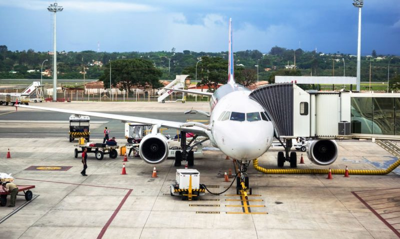 Anac autoriza empresas a transportar passageiros com coronavírus
