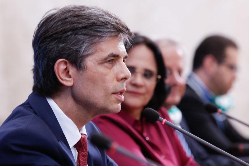 No AM, Teich promete divulgar resultado do uso da cloroquina