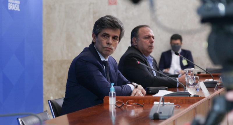 Bolsonaristas pressionam Teich pela recomendação da cloroquina