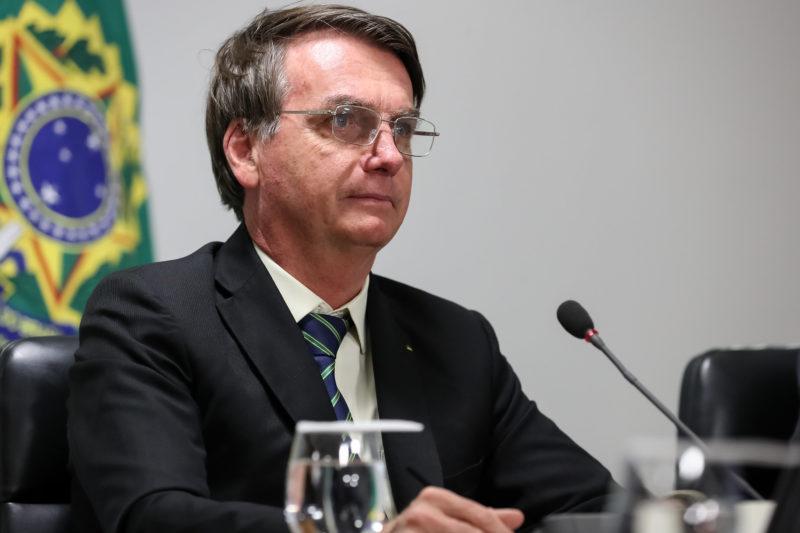 Bolsonaro pode entrar no apoio ao 'centrão' para adiar eleições