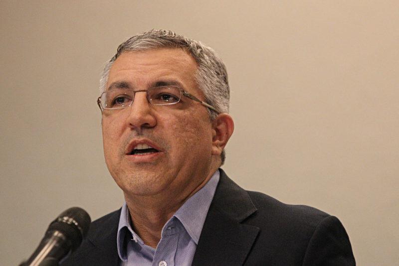 Ex-ministro da Saúde pede suspensão do protocolo da cloroquina