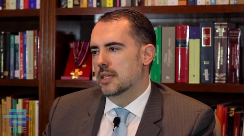 A R$ 65 mil mensais, ALE-AM contrata advogado especial para impeachment
