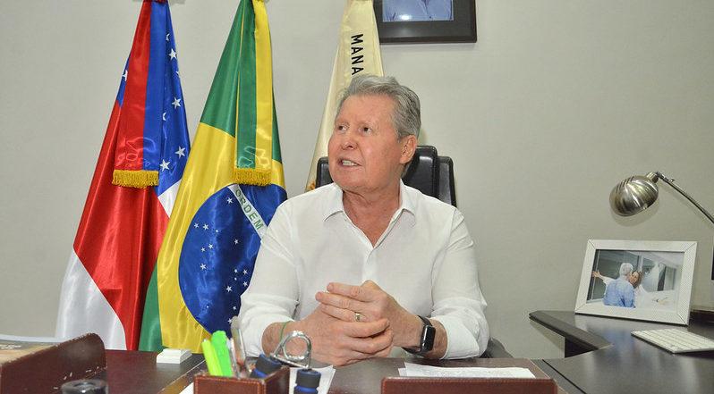 Arthur Virgílio apresenta queixa-crime contra Bolsonaro no STF