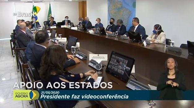 """Bolsonaro fala a governadores em """"trabalhar em conjunto"""""""