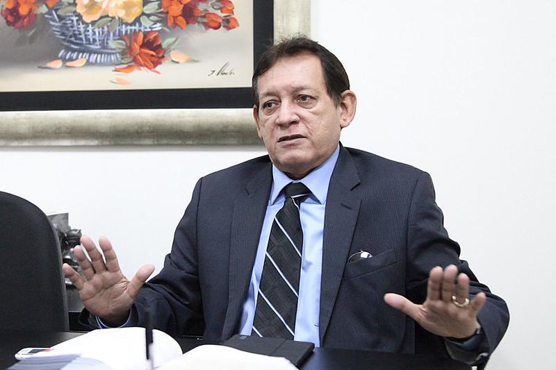 Desembargador suspende processo de impeachment de Wilson Lima
