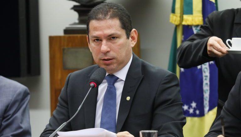 Deputado do AM acusa governo Bolsonaro de pressionar pelo aumento da grilagem