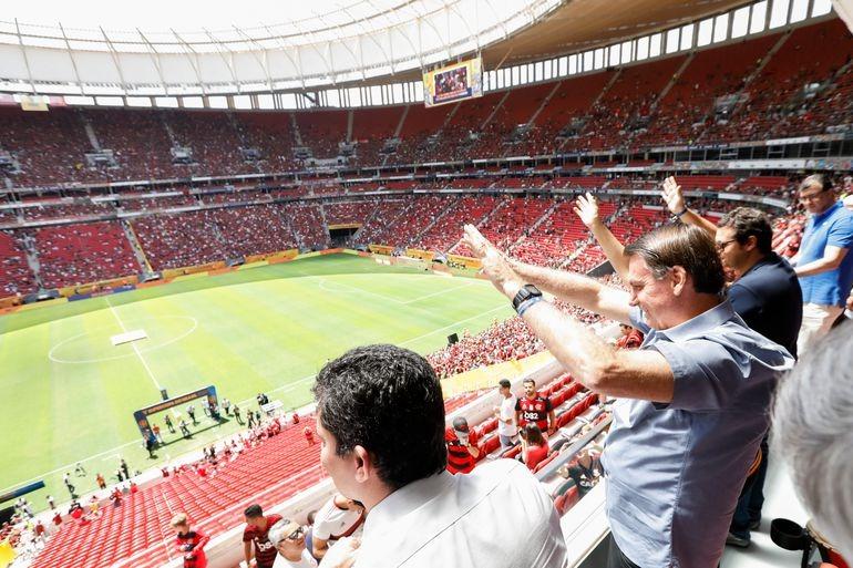 Coronavírus invade campo e domina 38 funcionários e jogadores do Flamengo