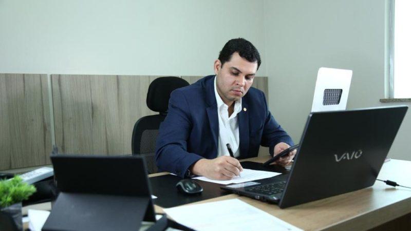Deputado pede hospital de referência para pacientes do interior