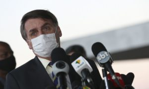 #ForcaCovid viraliza após Bolsonaro acusar sintomas da doença