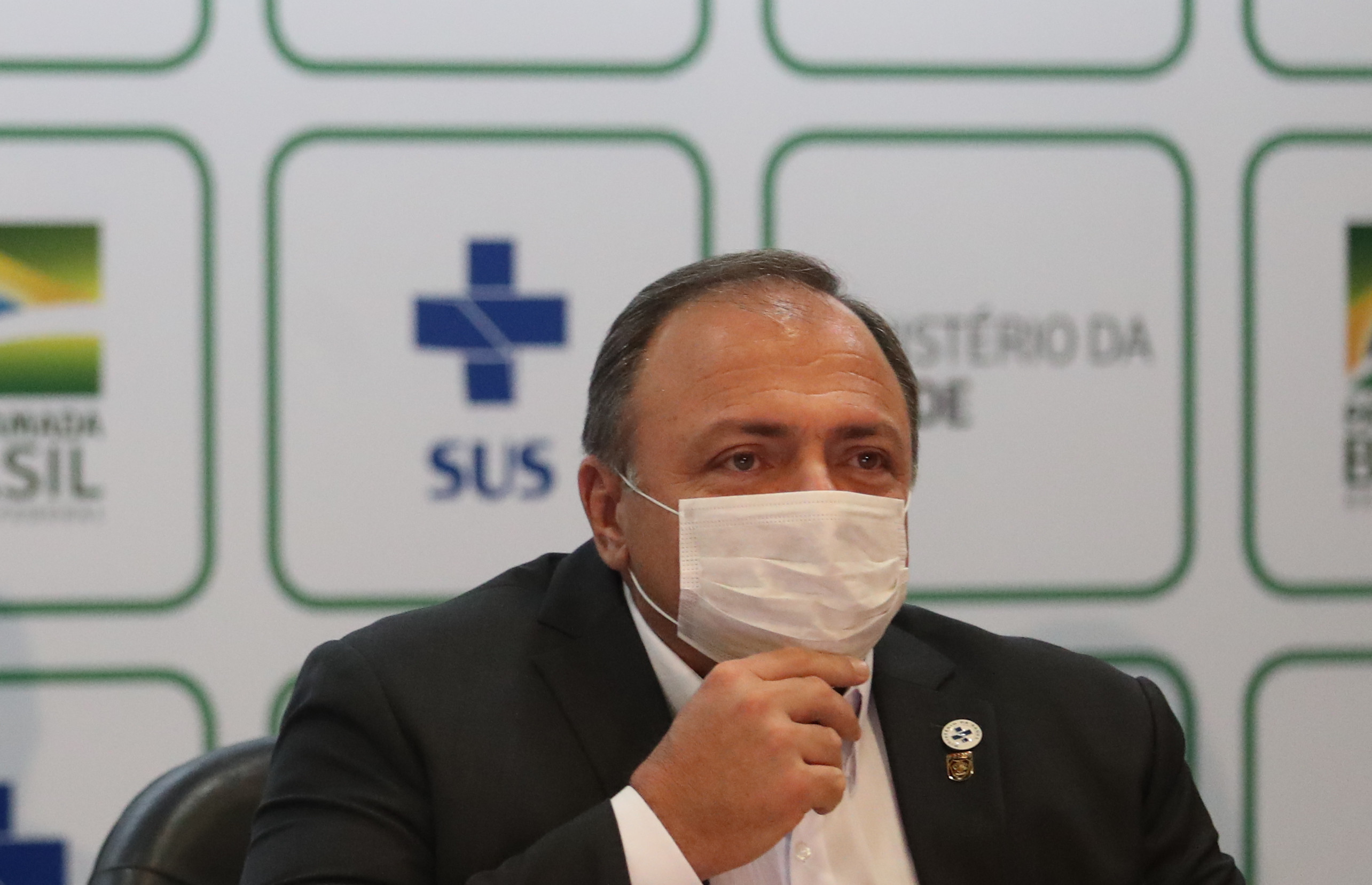 Ministro da Saúde libera cloroquina para todos os pacientes de coronavírus