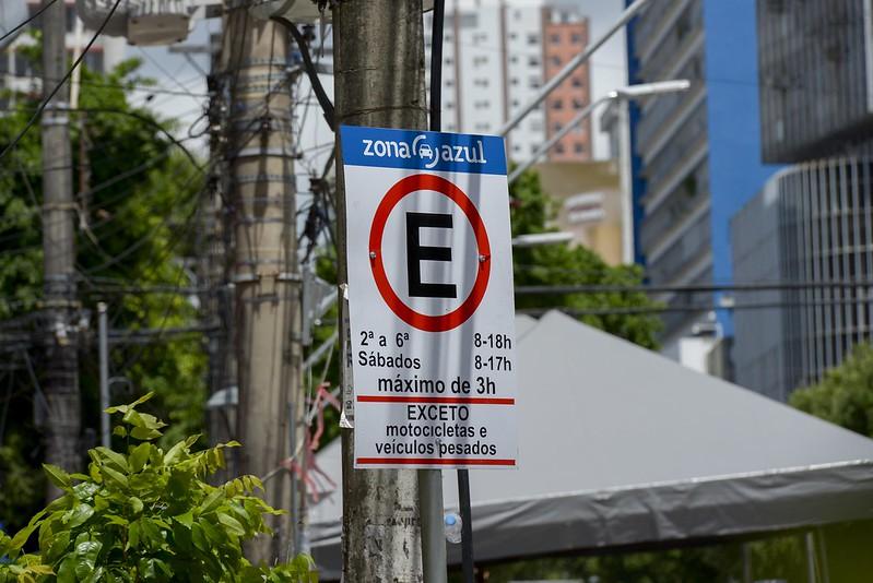 Prorrogada suspensão da taxa de estacionamento no Zona Azul
