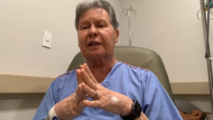 Do hospital, Arthur anuncia que ele e a primeira-dama estão com coronavírus