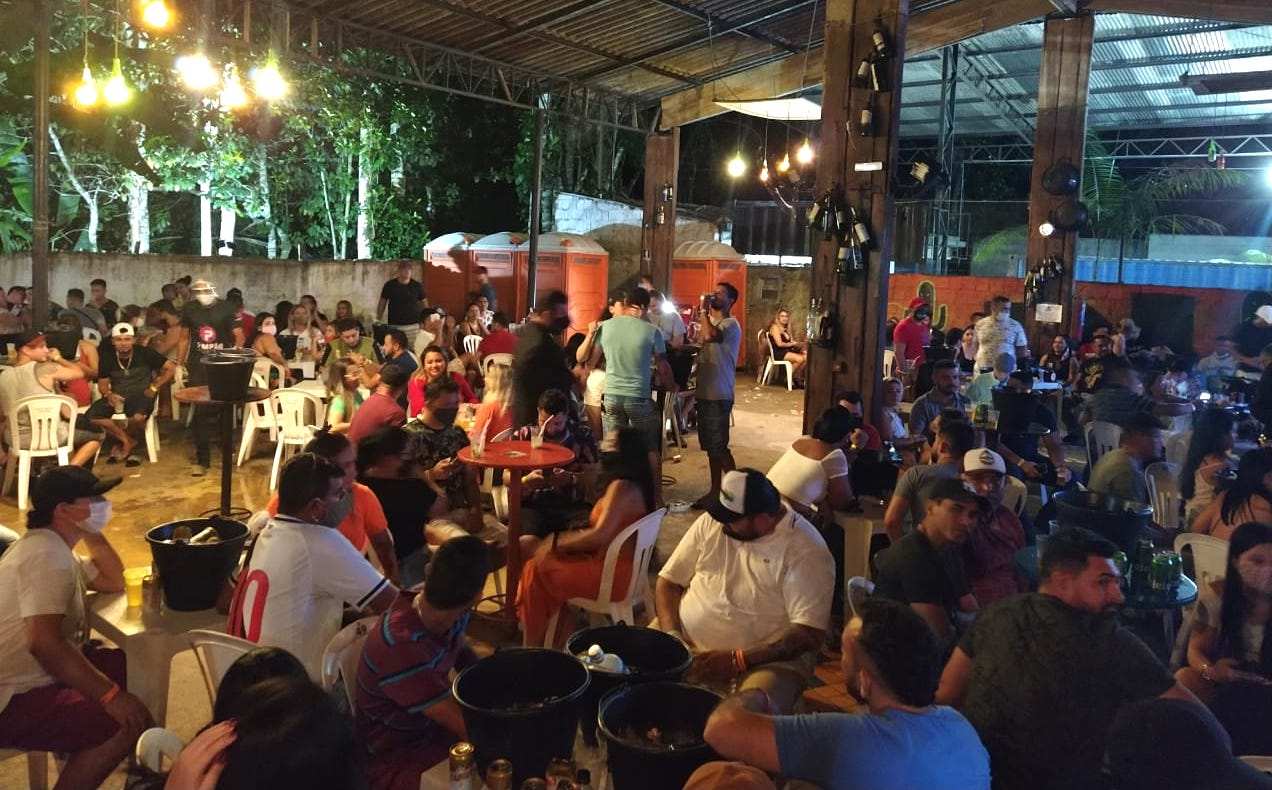 Casa de forró com 500 pessoas é fechada em Manaus por aglomeração